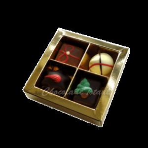 kerstbonbons-in-goud-doosje